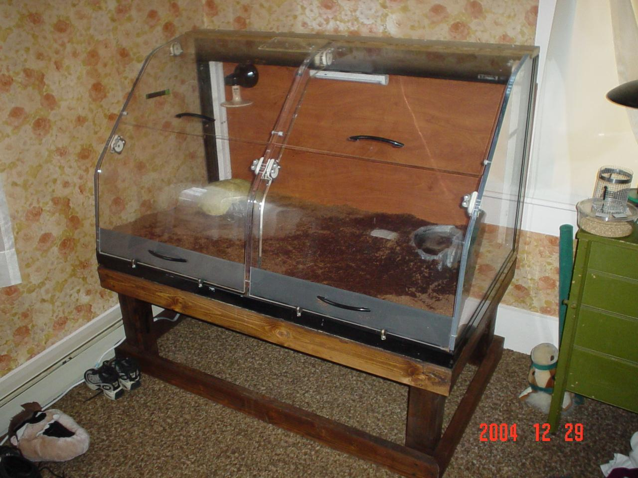 How To Build Enclosures For Reptiles Custom Snake Cages Arboreal Snake Cages Snake Keeping Cage Info Homemade Reptile Cages